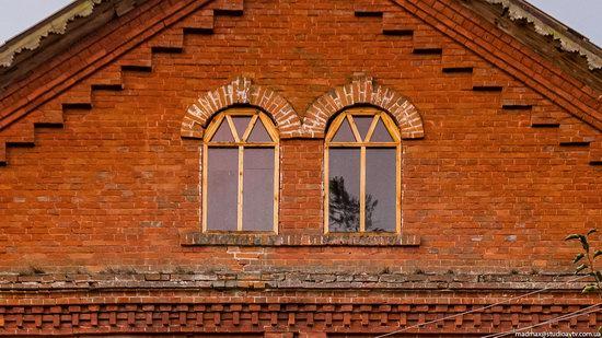 Palace of Kolonn-Chesnovsky in Bozhykivtsi, Ukraine, photo 9