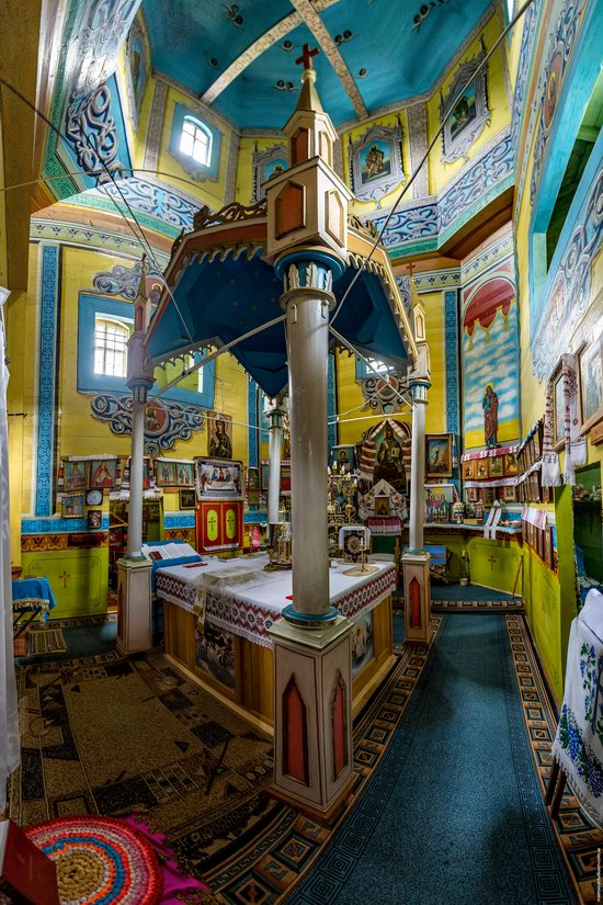 Assumption Church in Roztoky, Chernivtsi region, Ukraine, photo 11