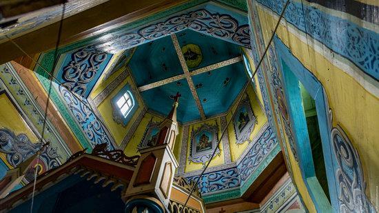 Assumption Church in Roztoky, Chernivtsi region, Ukraine, photo 12