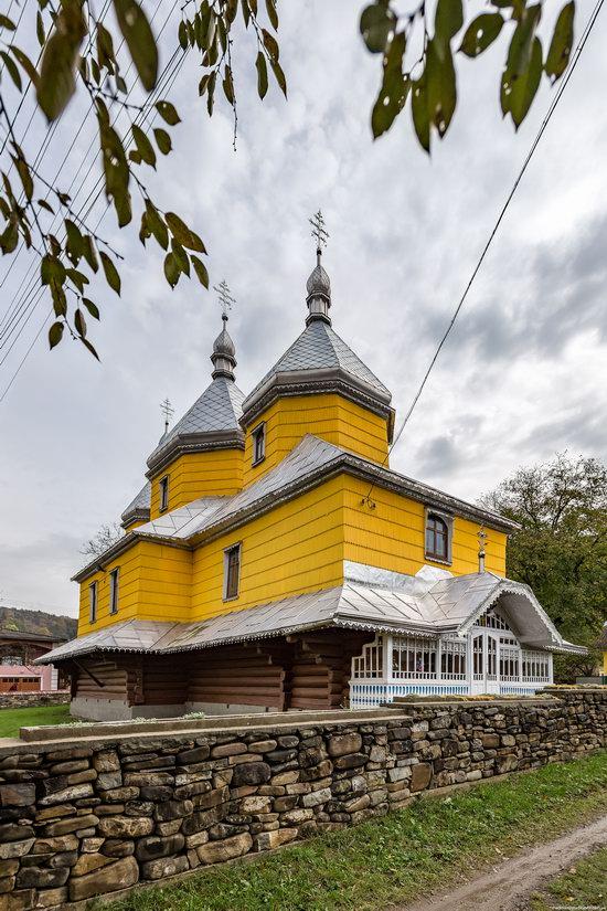 Assumption Church in Roztoky, Chernivtsi region, Ukraine, photo 5