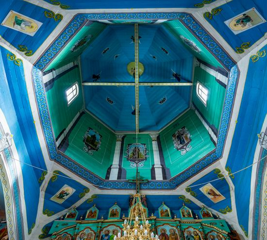 Assumption Church in Roztoky, Chernivtsi region, Ukraine, photo 8