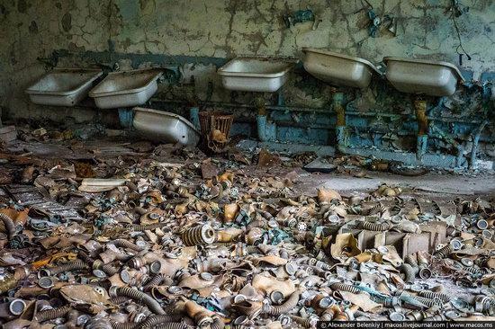 Pripyat, Ukraine - 32 years after evacuation, photo 30