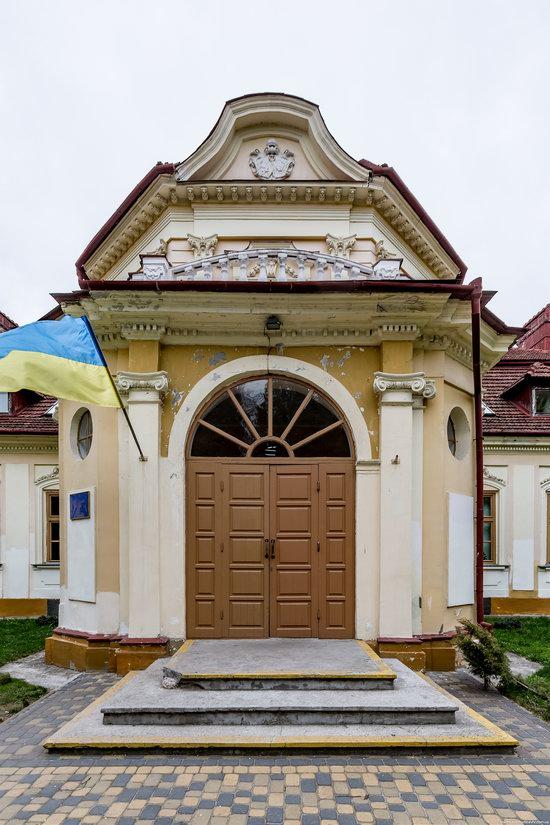Brunicki Palace in Velykyi Lyubin, Lviv region, Ukraine, photo 11