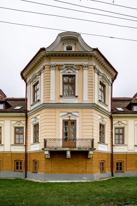 Brunicki Palace in Velykyi Lyubin, Lviv region, Ukraine, photo 13