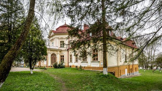 Brunicki Palace in Velykyi Lyubin, Lviv region, Ukraine, photo 2