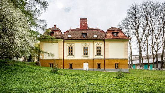 Brunicki Palace in Velykyi Lyubin, Lviv region, Ukraine, photo 3