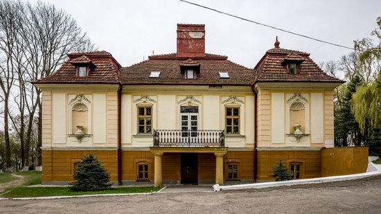 Brunicki Palace in Velykyi Lyubin, Lviv region, Ukraine, photo 8