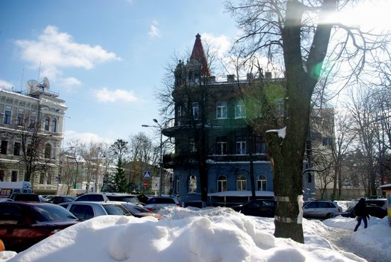 Spring in Kharkiv, Ukraine - after a heavy snowfall, photo 12