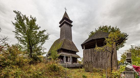 Wooden Churches St. Nicholas in Serednje Vodyane, Ukraine, photo 11