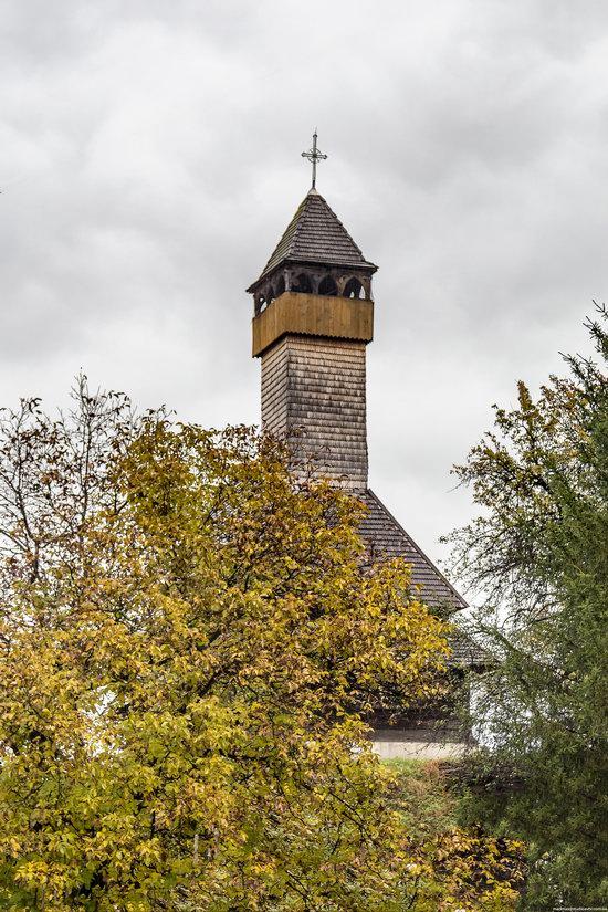 Wooden Churches St. Nicholas in Serednje Vodyane, Ukraine, photo 13