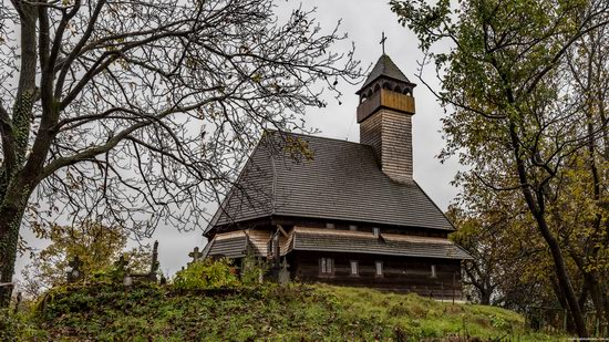 Wooden Churches St. Nicholas in Serednje Vodyane, Ukraine, photo 15