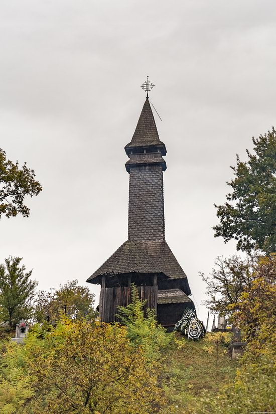 Wooden Churches St. Nicholas in Serednje Vodyane, Ukraine, photo 2