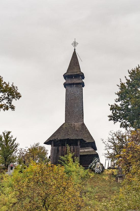 Wooden Churches St. Nicholas in Serednje Vodyane, Ukraine, photo 2