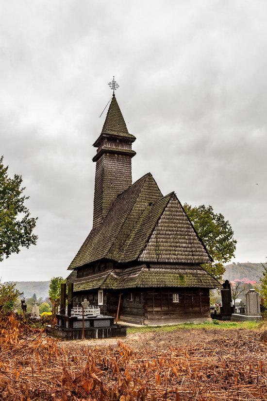Wooden Churches St. Nicholas in Serednje Vodyane, Ukraine, photo 5