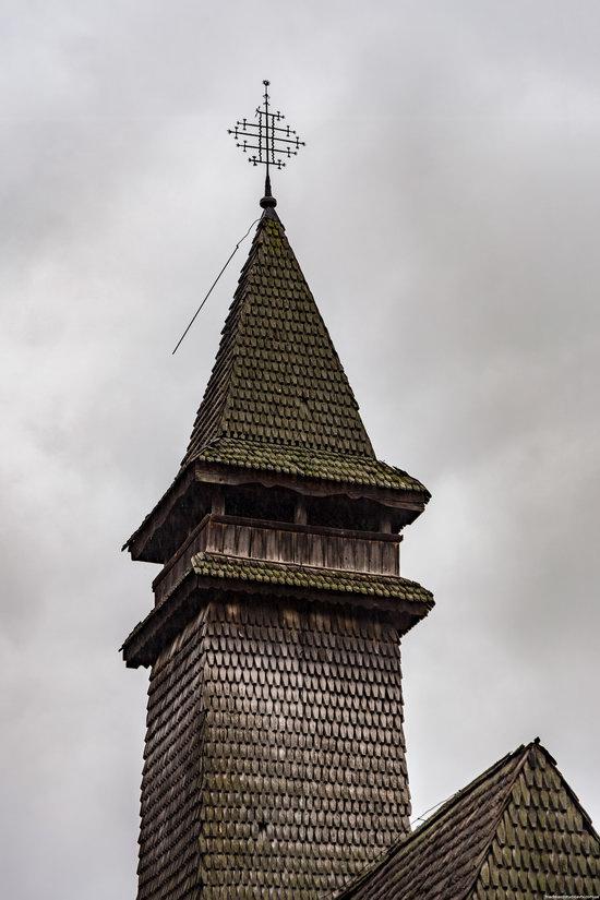 Wooden Churches St. Nicholas in Serednje Vodyane, Ukraine, photo 6
