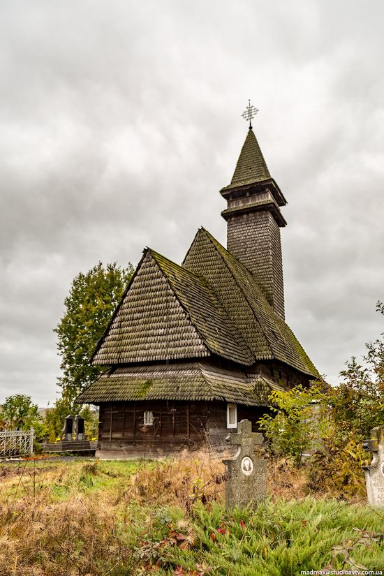 Wooden Churches St. Nicholas in Serednje Vodyane, Ukraine, photo 8