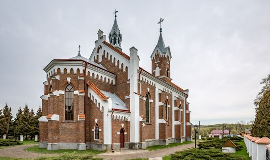 Catholic Church of St. Nicholas in Pnikut, Ukraine, photo 7