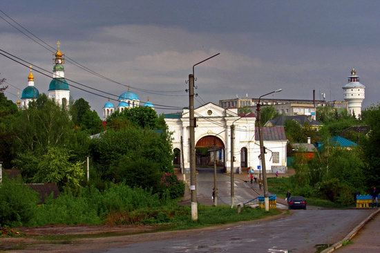 Walking through the streets of Hlukhiv, Ukraine, photo 1