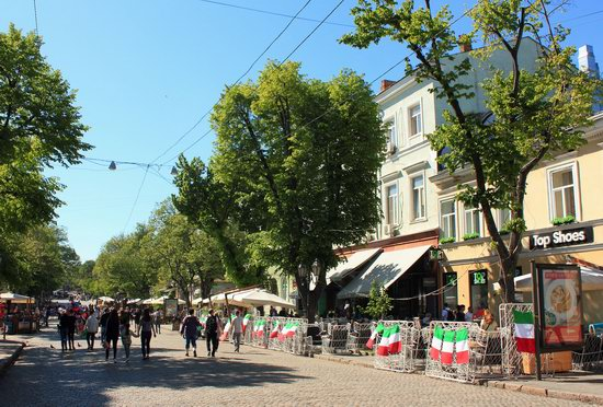 Walking around Odessa, Ukraine in May, photo 14