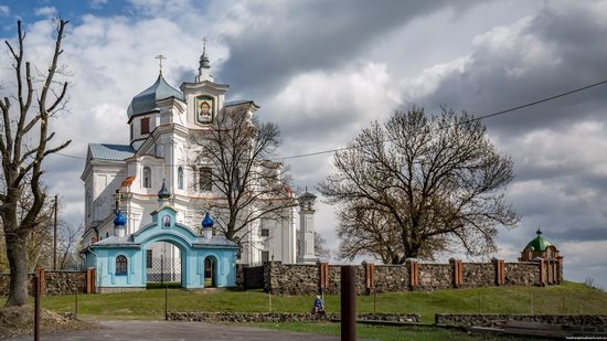 Dominican Church in Staryi Chortoryisk, Ukraine, photo 1