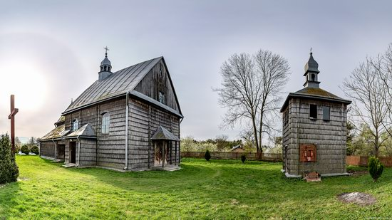 The Second Oldest Wooden Catholic Church in Ukraine, photo 1
