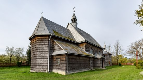 The Second Oldest Wooden Catholic Church in Ukraine, photo 3