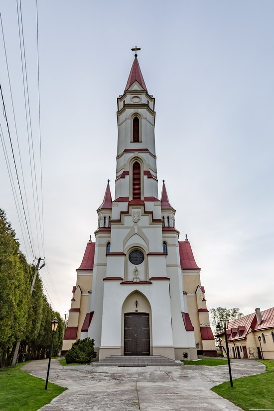 St. Joseph Catholic Church in Tshchenets, Ukraine, photo 13