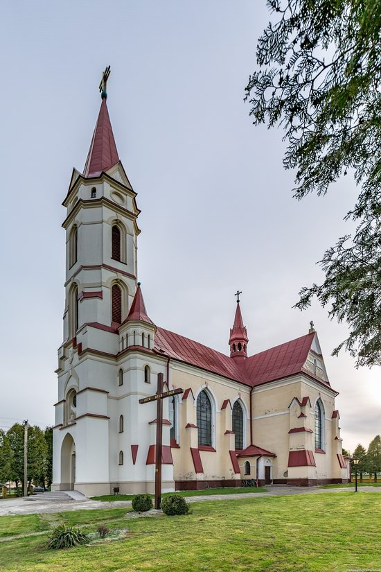 St. Joseph Catholic Church in Tshchenets, Ukraine, photo 4