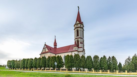 St. Joseph Catholic Church in Tshchenets, Ukraine, photo 7
