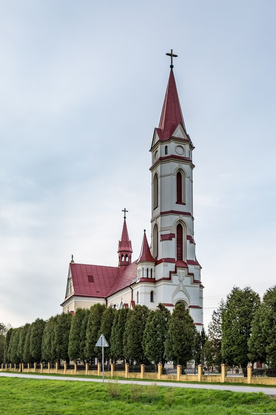 St. Joseph Catholic Church in Tshchenets, Ukraine, photo 8