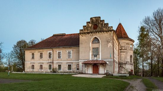 Strachocki Palace in Mostyska, Lviv region, Ukraine, photo 7