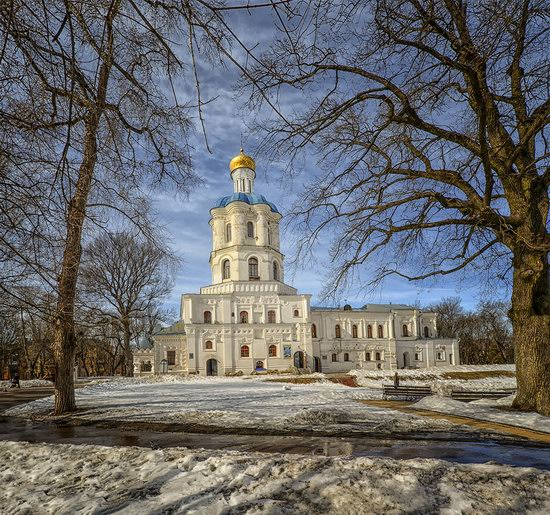 Beautiful old churches of Chernihiv, Ukraine, photo 4