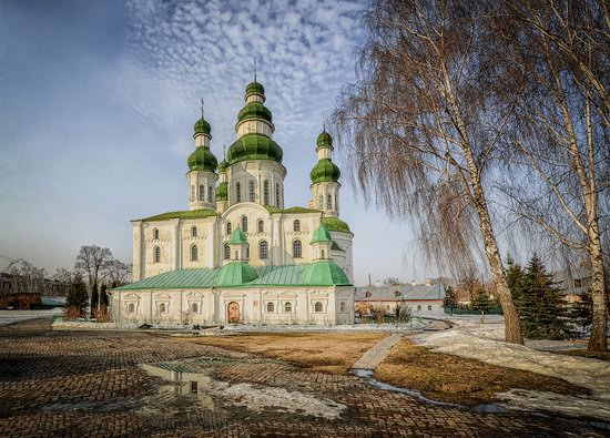 Beautiful old churches of Chernihiv, Ukraine, photo 6