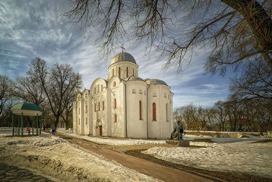 Beautiful old churches of Chernihiv, Ukraine, photo 8
