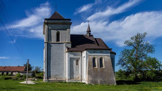 Defensive Roman Catholic Church in Bishche, Ukraine, photo 1