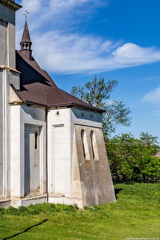 Defensive Roman Catholic Church in Bishche, Ukraine, photo 10