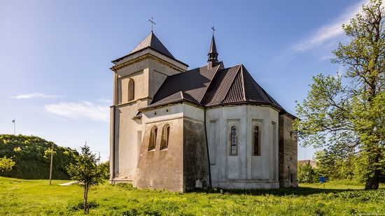 Defensive Roman Catholic Church in Bishche, Ukraine, photo 14