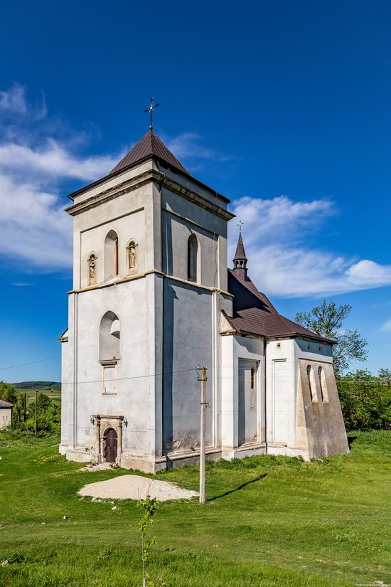 Defensive Roman Catholic Church in Bishche, Ukraine, photo 9