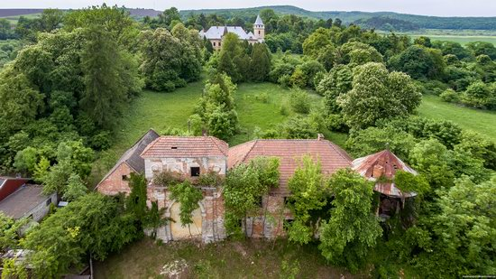 Abandoned Ray Mansion in Pryozerne, Ukraine, photo 22