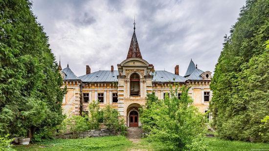 Abandoned Ray Mansion in Pryozerne, Ukraine, photo 6