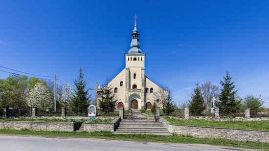 Catholic Church in Stari Petlykivtsi, Ukraine, photo 1