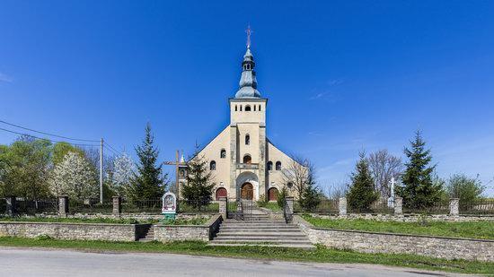 Catholic Church in Stari Petlykivtsi, Ukraine, photo 1