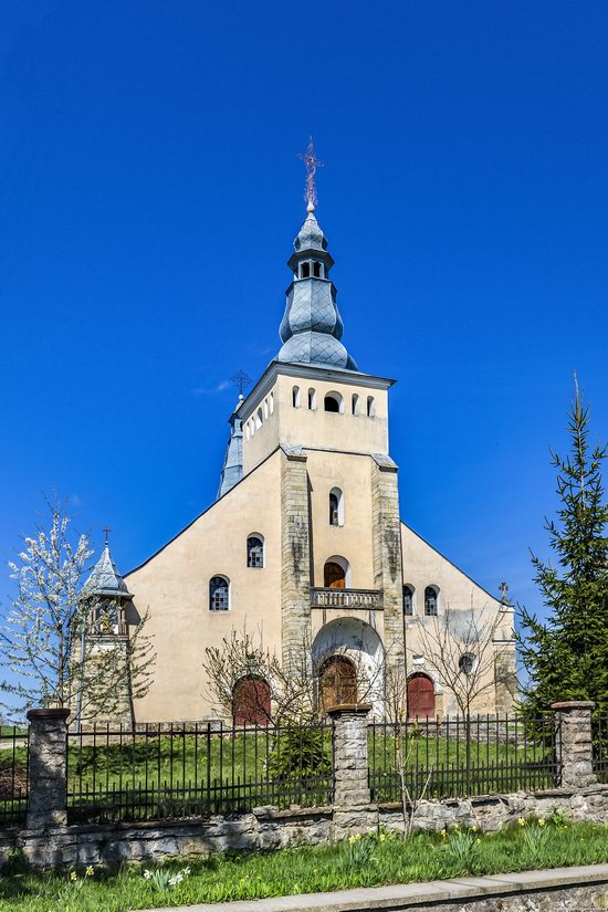 Catholic Church in Stari Petlykivtsi, Ukraine, photo 2