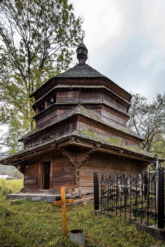 Ascension (Strukivska) Church in Yasinya, Ukraine, photo 11