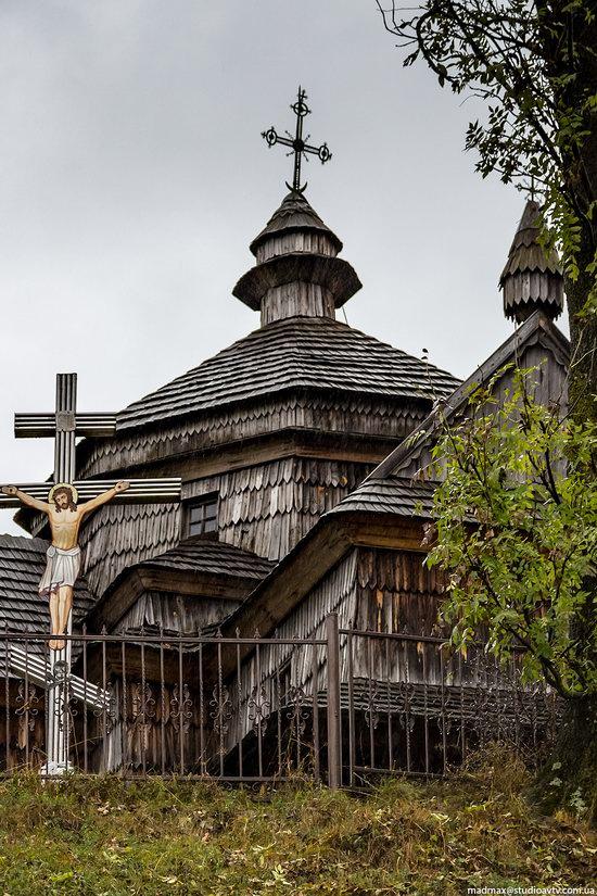 Ascension (Strukivska) Church in Yasinya, Ukraine, photo 5