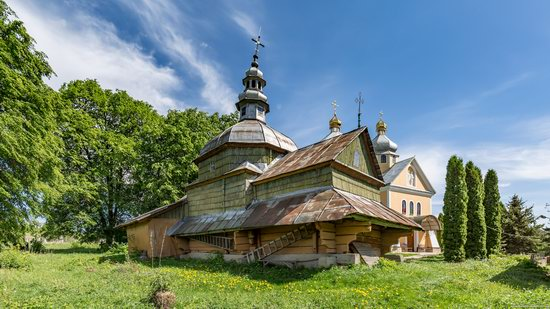 Church of the Holy Apostles Peter and Paul in Urman, Ukraine, photo 1