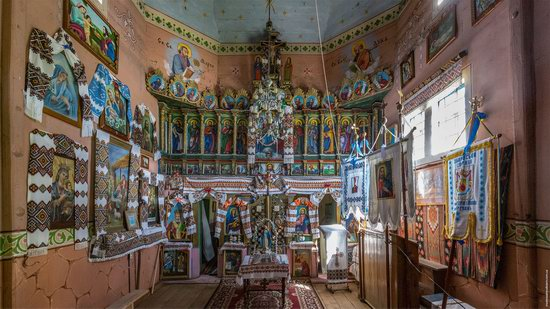 Church of the Holy Apostles Peter and Paul in Urman, Ukraine, photo 11