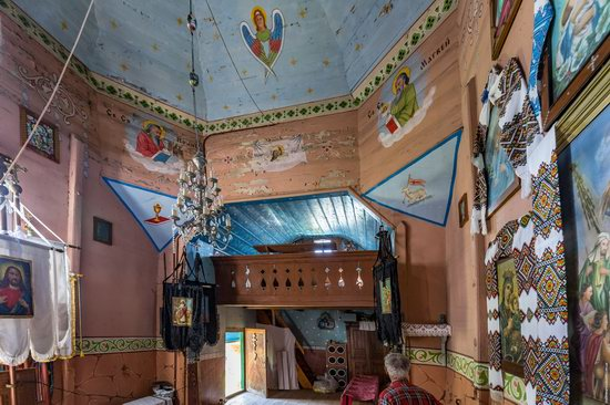 Church of the Holy Apostles Peter and Paul in Urman, Ukraine, photo 14