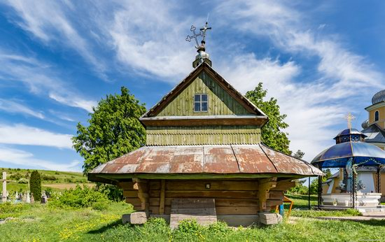 Church of the Holy Apostles Peter and Paul in Urman, Ukraine, photo 3
