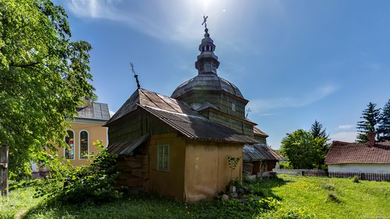 Church of the Holy Apostles Peter and Paul in Urman, Ukraine, photo 5